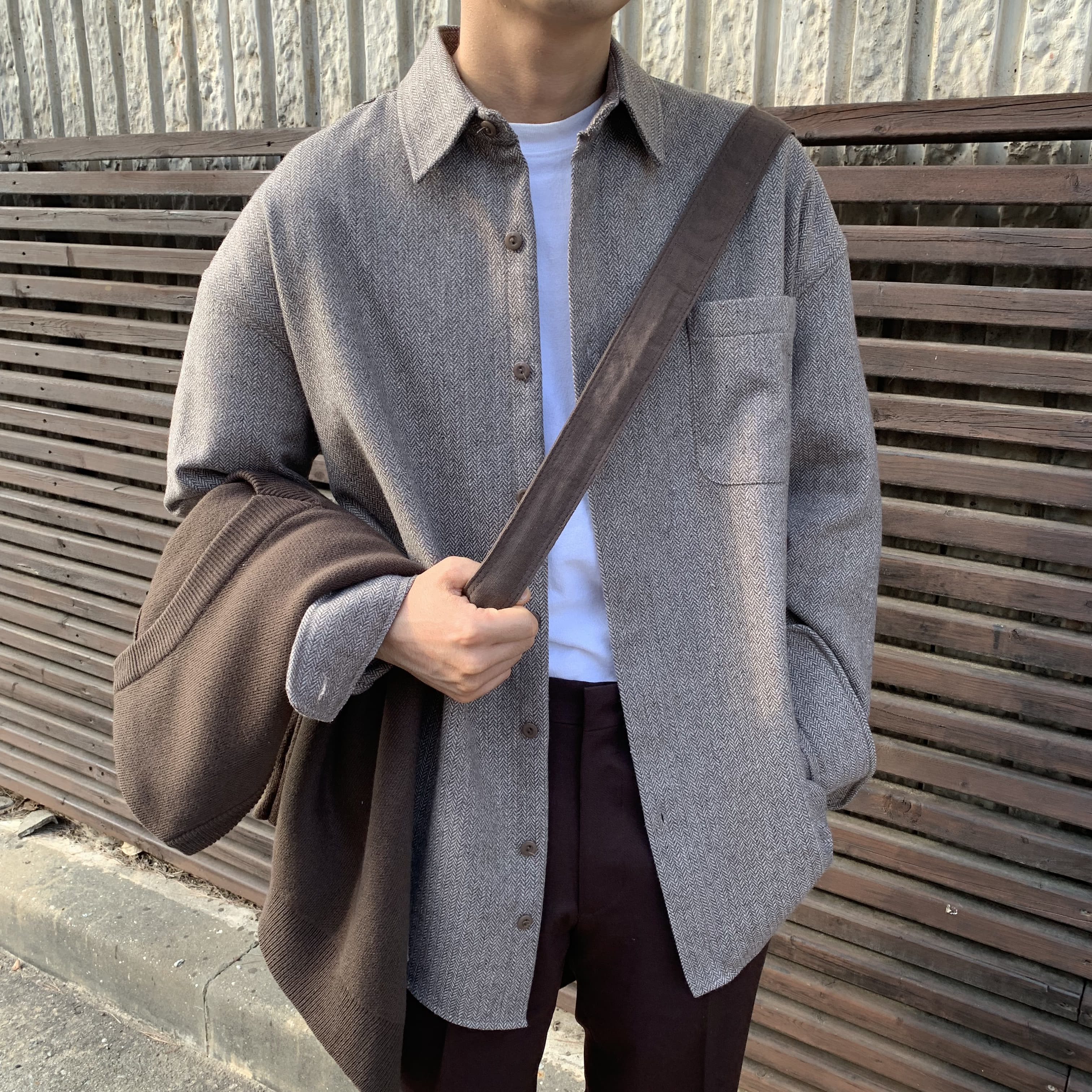 Over-fit Put Beige wool Shirts