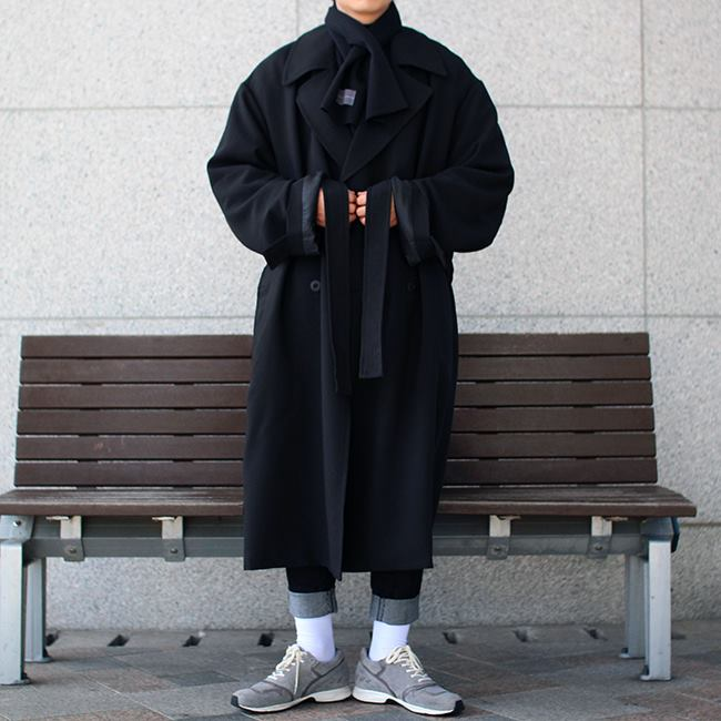 Over-fit HUKE BLACK Coat (봄원단)