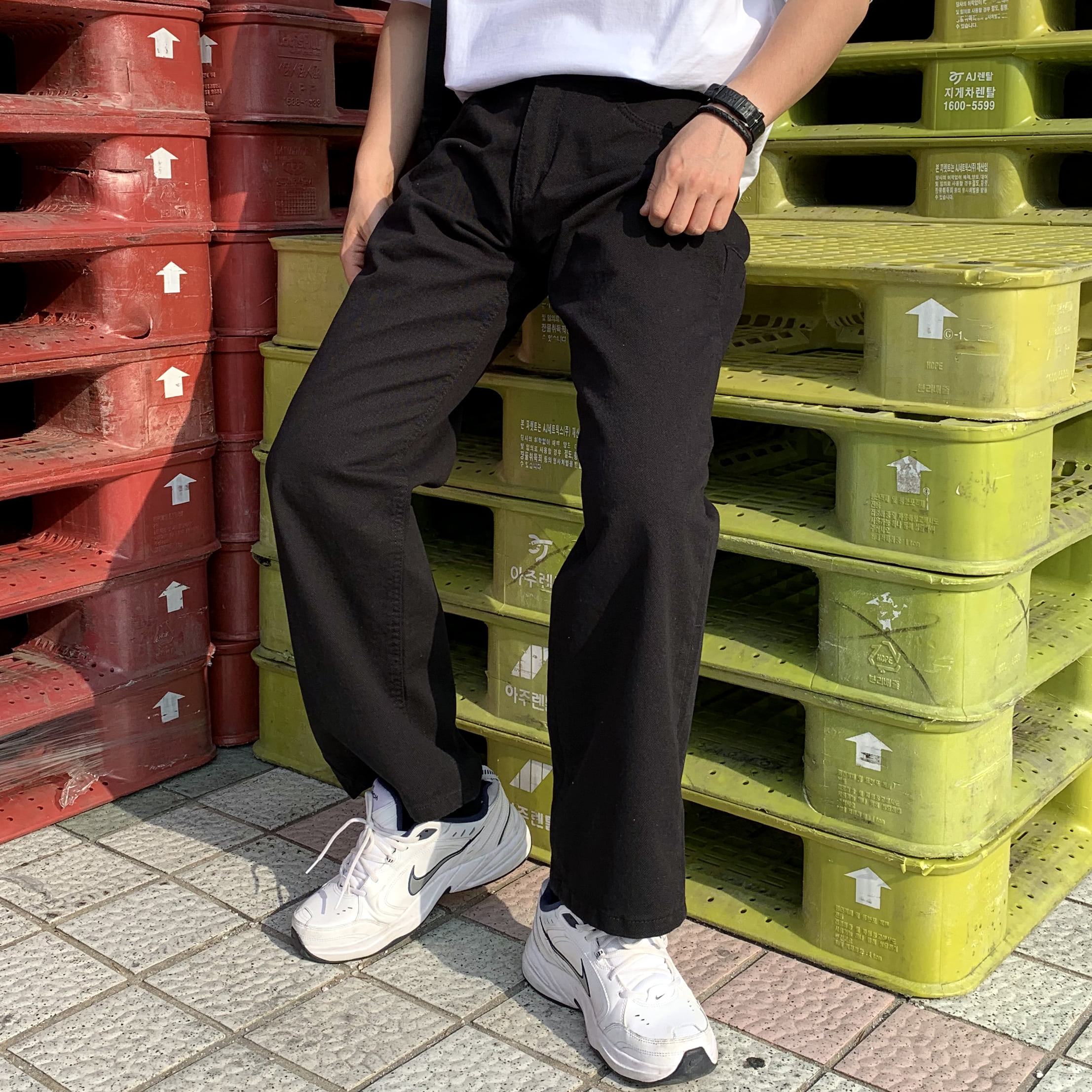 Avant-fit Black Denim Pants