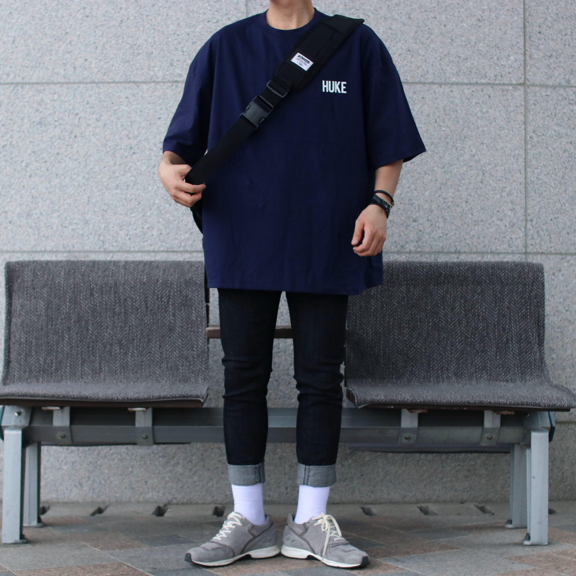 Over-fit HUKE Navy 1/2 Tee
