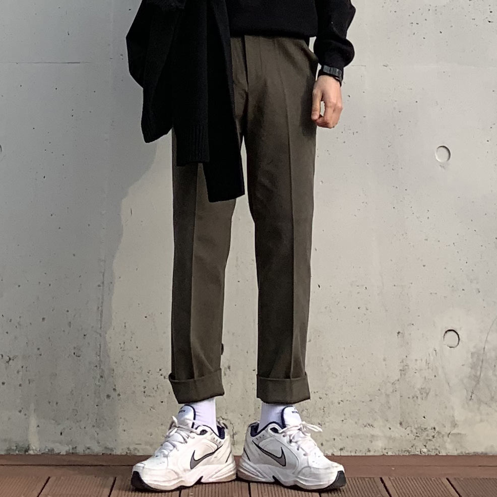 Drop-fit Kaki Pants