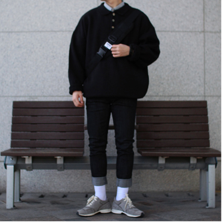Over-fit HUKE Black Kara Knit
