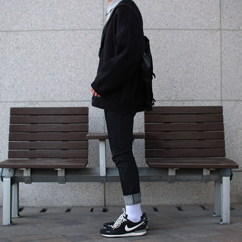 Over-fit HP BLACK Cardigan