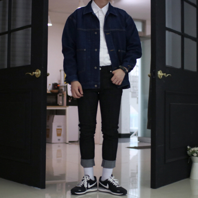 Over-fit XEAN Denim Jacket
