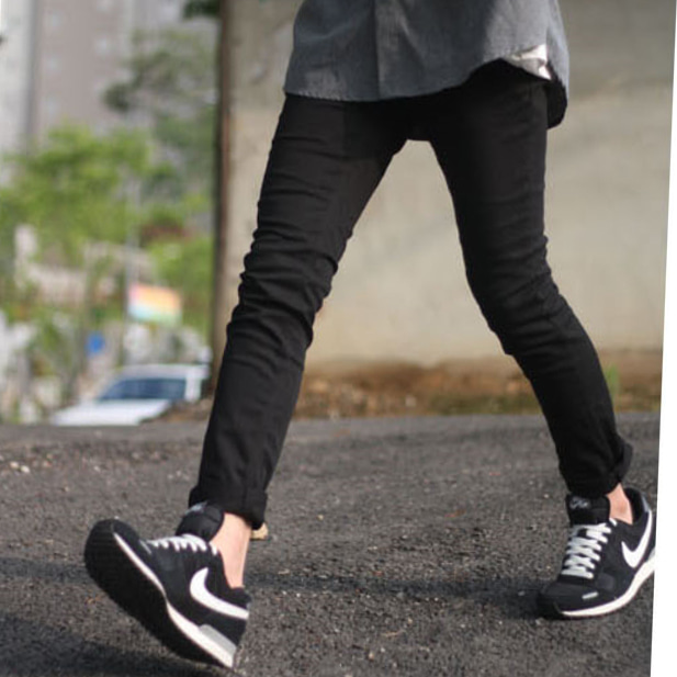 Distinct Black Jeans