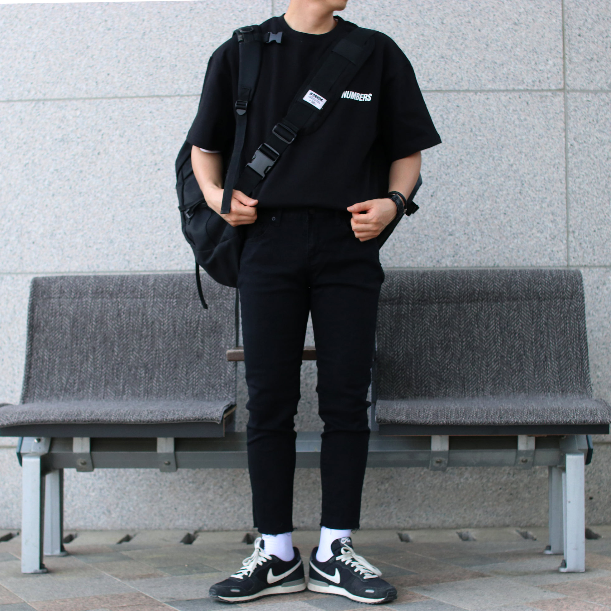 Over-fit NUMBERS 1/2TEE (black)