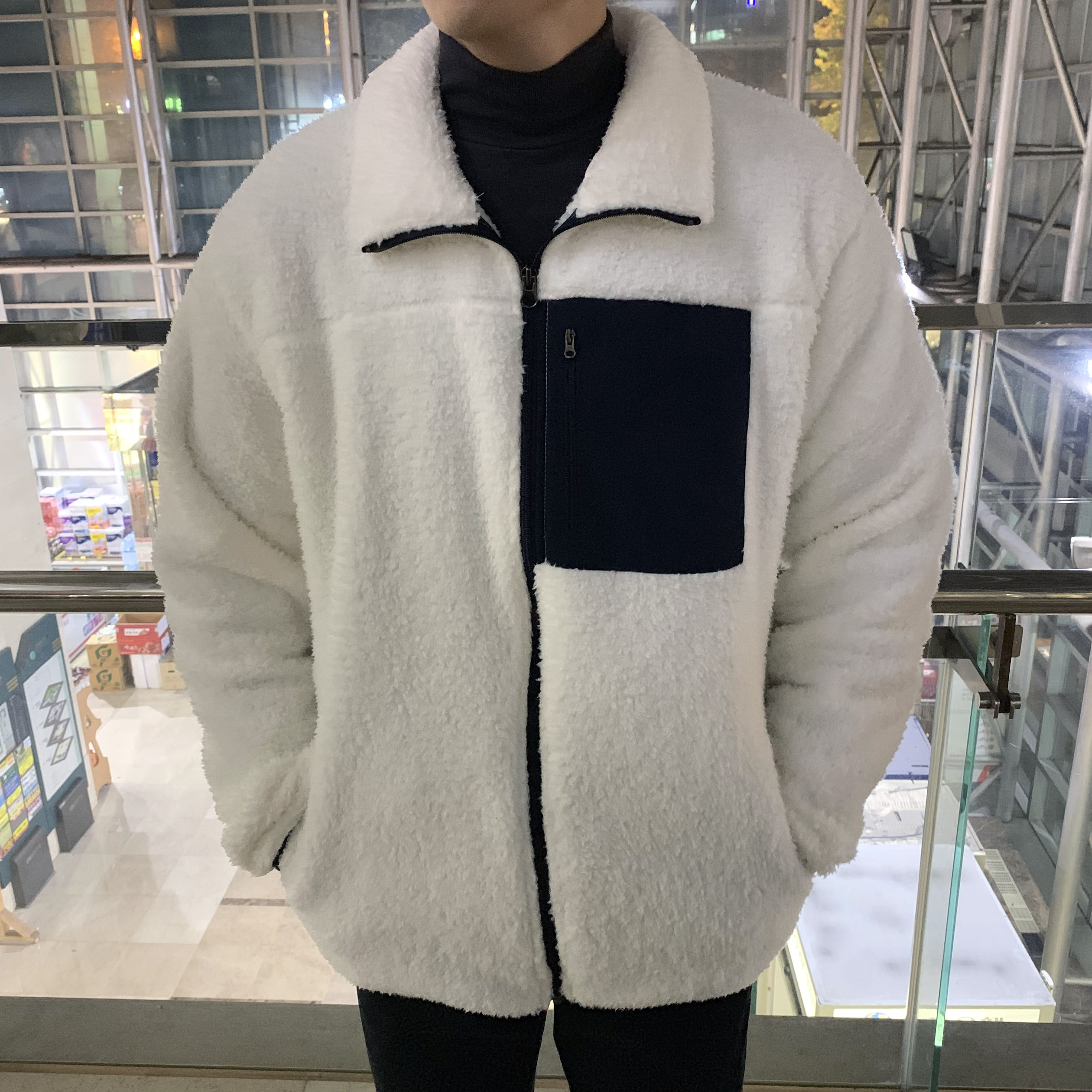 Over-fit ara Fleece Jacket (ivory)